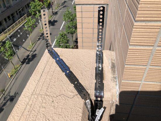 ホームセンターで買い揃えた3つのハト対策部品でベランダ天場に鳥侵入阻止バーをDIY再現し取り付け1